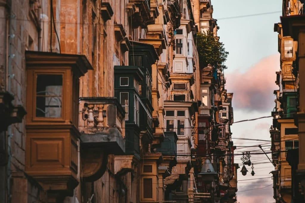 Location de courte durée à Malte : quelles différences avec les logements sur le long terme ?