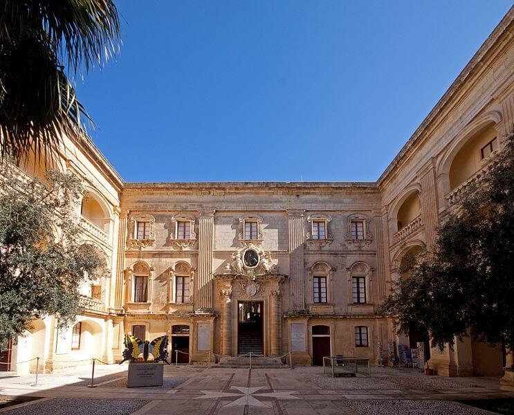 Palazzo Vihena
