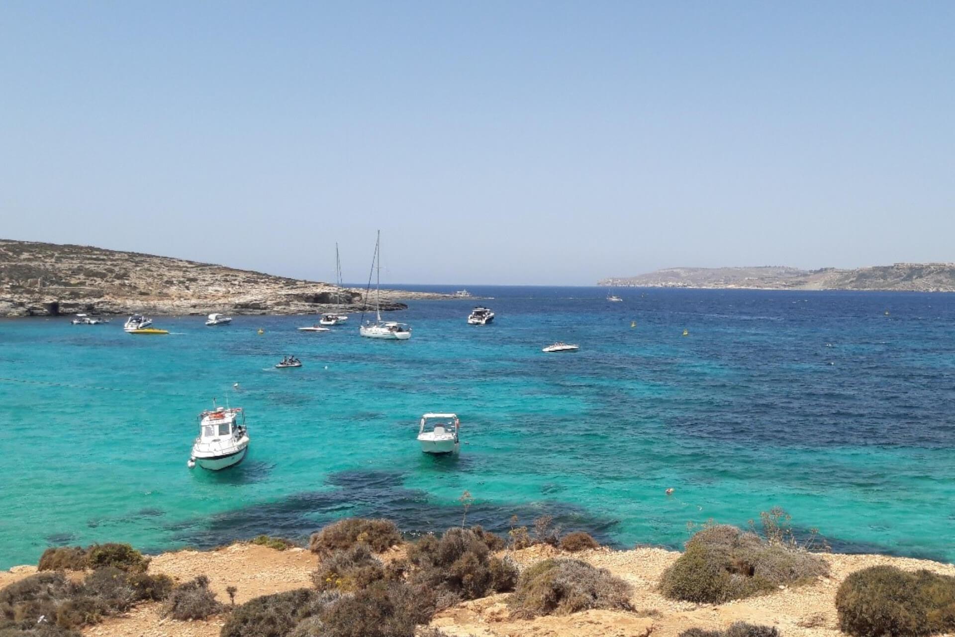 Découvrir Comino à Malte : comment y aller et que faire sur l'île ?