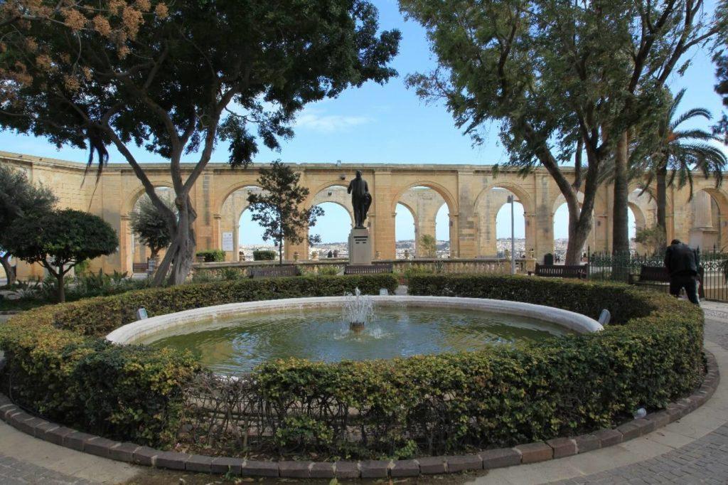upper barrakka gardens valletta