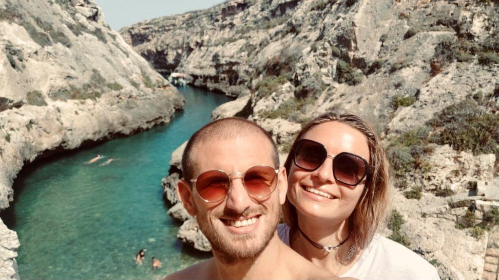 chloé et son petit ami à Malte