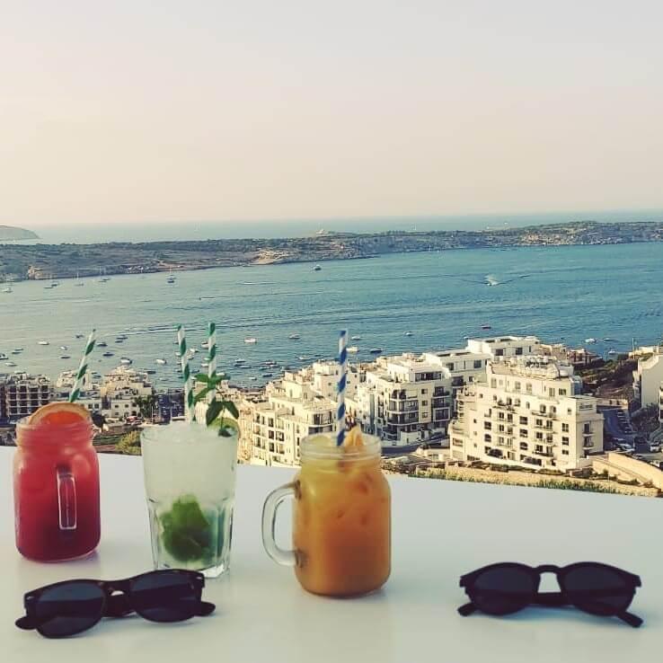 cocktails avec vue sur la mer