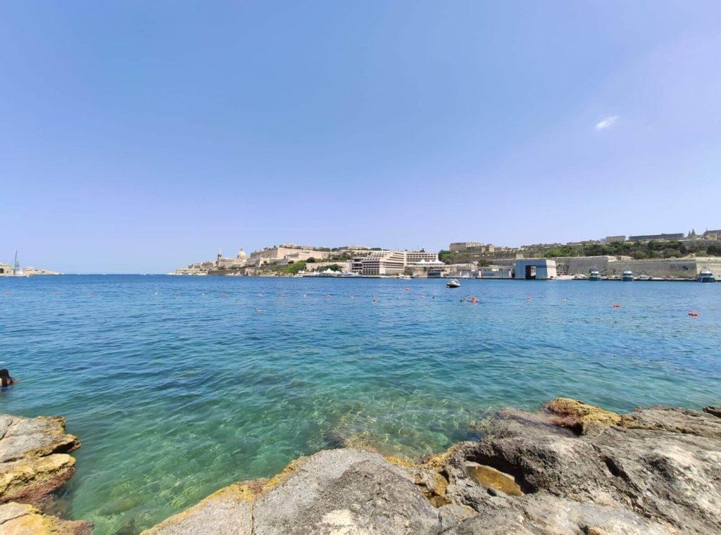 plage de ta'xbiex à Malte