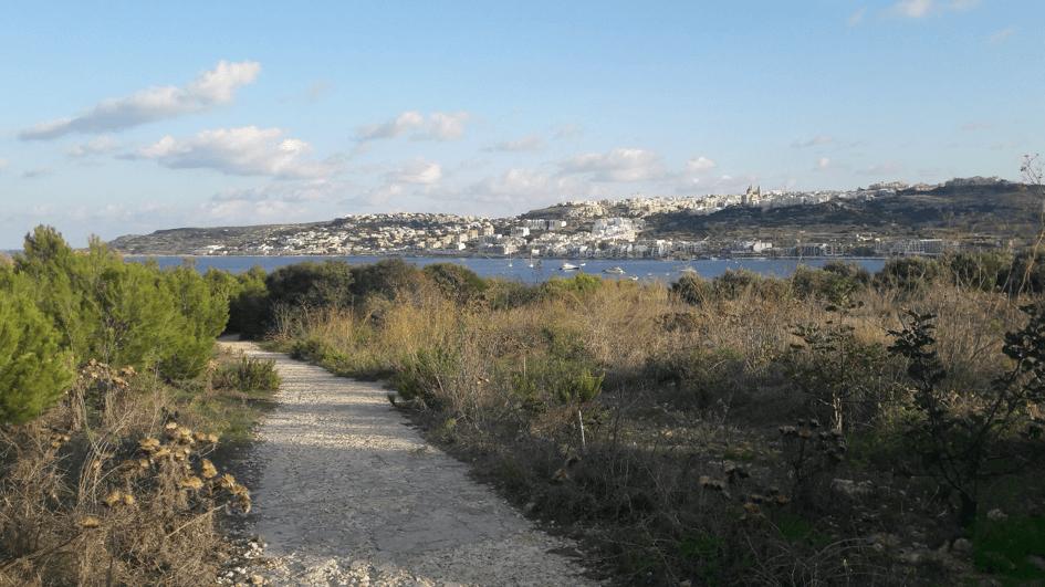Sentier de randonnée dans le nord de Malte