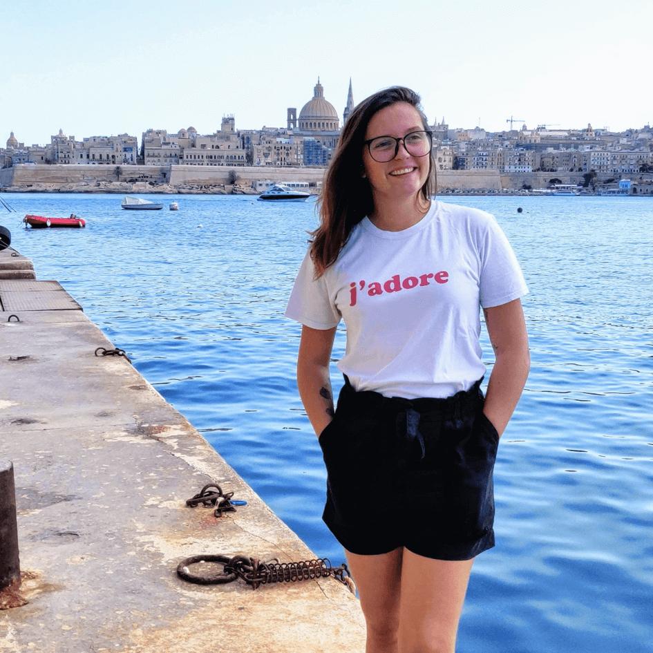 Soline sur le bord du ponton à Sliema face à la Valette